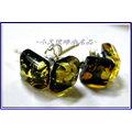 款^~波羅的海^~天然琥珀^(綠珀^)925純銀耳環~ 款~方鑽琥珀