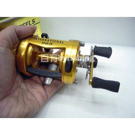 ◎百有釣具◎美國PENN REELS 965強力鼓式路亞捲線器