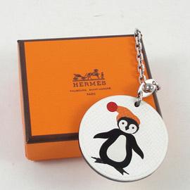 ~  中~HERMES 企鵝皮革鑰匙圈 吊飾.白 價 6 900