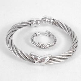 【9.5成新 】PHILIPPE CHARRIOL 夏利豪經典鋼索戒指手環組現金價$9,800