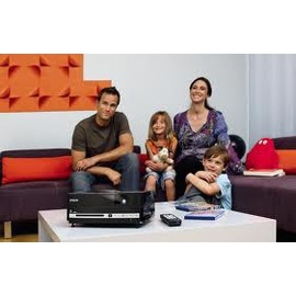 EPSON EH-DM3 行動Fun映機,省空間,內建HDMI.(音響DVD投影機 三合一)