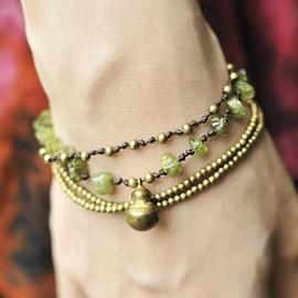 泰國民族風 款~綠礦石金色銅鈴編織手鍊