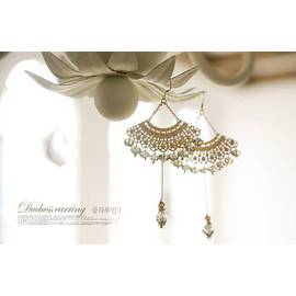 ~新飾界 館~ 波西米亞 古典扇形鏤空水晶流蘇耳環 ~香檳色~