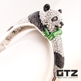 ~ GTZ ~ Glitz London 熊貓竹青手環