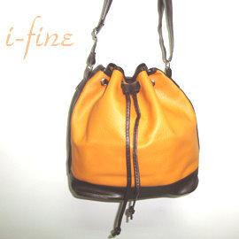 ~i~Fine艾芳 ~^~俏麗配色荔枝紋水桶包 共2色^(黃棕^)^~