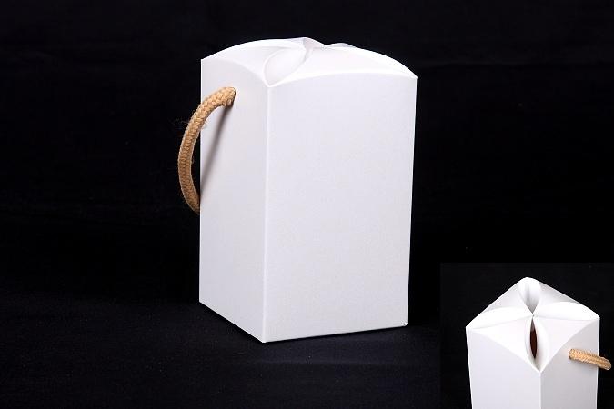 【盒库】※【公版包装纸盒】【手提梅花日本底盒】【纸盒】【试用】