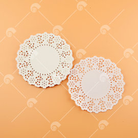 【艾佳】4.5吋圓形花邊紙(約25入/包) (花樣隨機出貨)