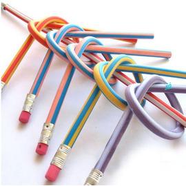 可隨意彎曲的神奇軟鉛筆~帶橡皮! /折不斷的彎曲鉛筆