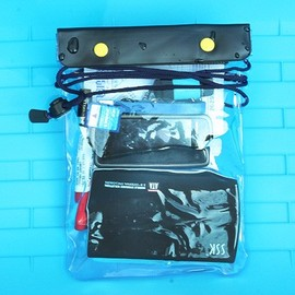 朔溪/浮淺/水上活動時  可放手機,手錶,皮包 超強防水袋/防水套/防水包 **中型包** (藍/桃紅) [ABO-00002]