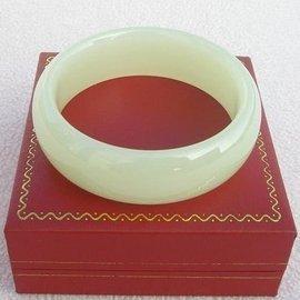 ~歡喜心珠寶~~天然阿富汗白青玉手鐲~大寬板,玉鐲手圍18.8圍~附保証書~白如羊脂,飾品
