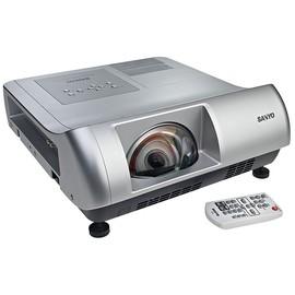 SANYO PLC~WL2500 超短焦鏡頭僅86cm的距離就 投影80吋的大畫面!高亮度