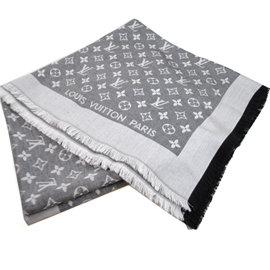 Louis Vuitton LV M71378 花紋LOGO羊毛絲綢披肩圍巾 停產 價 1