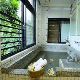 【烏來】湯館溫泉 - 雅致房 (大床 + 湯池) 三小時 + 飲料