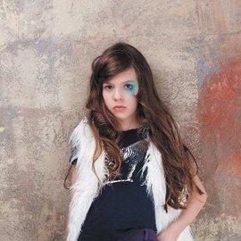 美國知名品牌 curio kind 女 好萊塢明星的最愛  款 8^~14歲 白色 毛背心