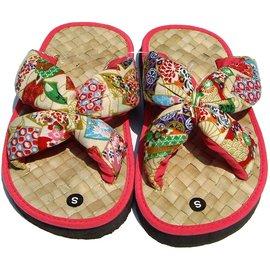 ╭°~和風花漾~°╮兒童 草編拖鞋~粉紅色套式