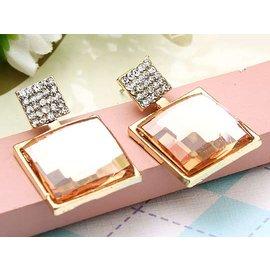 奢華水晶鑽~玲瓏方塊~閃亮耳環~粉菊1對入~