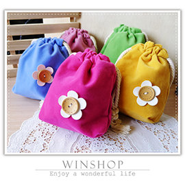【winshop】A1987 日韓系小花束口袋/花朵收納袋/木釦萬用袋/抽繩收納袋/萬用包/手提包/絨布袋