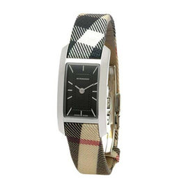 ~BURBERRY ~英國倫敦 ~ BURBERRY手錶皮帶格紋 方形黑色石英女表BU10