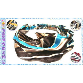 ~POLLY媽~ 抽象線條幾何圖案絲緞頭巾式寬版髮帶^~寬21cm4種色系