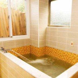 【烏來】泉世界溫泉會館 - 雙人湯屋 (90分鐘) 泡湯