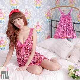 ~蕾絲圓點~緞帶俏麗爆乳睡衣 露背小性感睡衣裙裝