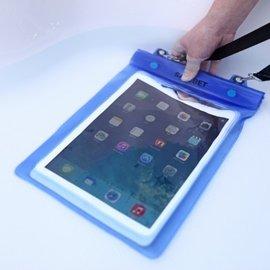 (雙層夾鏈袋) 朔溪/浮淺/水上活動時  ipad/平板電腦/小筆電 超強防水袋/防水套/防水包 **大型包** (藍/桃紅) [ABO-00003]