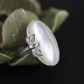 ~尚儀飾品~925純銀原創雅致蜻蜓白貝開口戒指