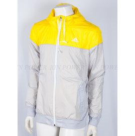 Adidas~休閒 防風 防潑水 連帽 運動 風衣 外套 -黃/灰 (M68717)