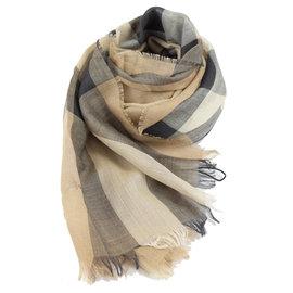 【全新現貨 優惠中】BURBERRY 時尚配件 經典格紋絲質羊毛披肩圍巾.米 現金價$13,800