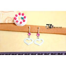 ~JA夾式耳環~JA原創飾品~→簡約的甜美風範^~粉紅水鑽鏤空愛心形垂墜~JA 金屬無痛耳