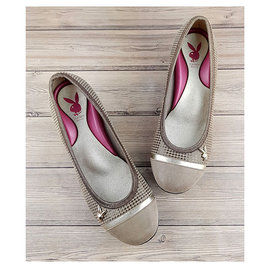 【MYVINA】PLAYBOY 女鞋 新款 足弓鞋 娃娃鞋 淑女鞋 灰格 YE9518
