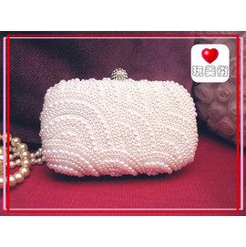 ~玩美街~077~亮白色~單面弧形珍珠水鑽扣晚宴包 新娘包 PARTY包 伴娘包 婚禮 手