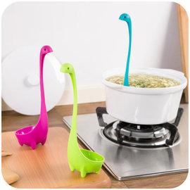 ♣ 職人♣~L125~家居廚房用品 廚房烹飪 湯匙 可愛 調羹長柄 尼斯湖水怪湯勺 長柄可