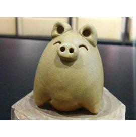 【啟秀齋香品軒】十二生肖 喜豬 香插 香座 高約4.5公分 居家擺飾擺件 茶寵 鶯歌陶瓷藝品