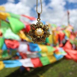 蓮花寶珠 身配大藏經 世界上含藏經咒最多的護身符!