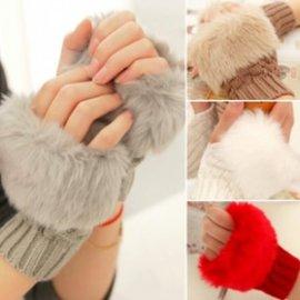 短版仿兔毛針織手套 毛毛露指手套 穿搭 保暖毛線手套~艾發現