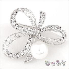 ^~ ^~ 魅力部屋 ^~ ^~  蝴蝶結珍珠水鑽別針 胸針015073545