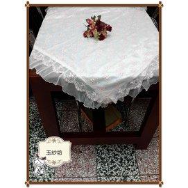夢幻蕾絲刺繡玫瑰桌巾(米金色)