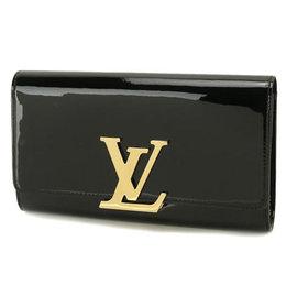 Louis Vuitton LV M90083 路易威登飾扣漆皮手合晚宴包.黑 價 45