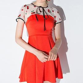 俏皮櫻桃刺繡 網紗拼接修身連身洋裝