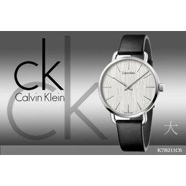 ~時間道~〔Calvin Klein~CK〕高 紋路錶面腕錶  白面黑皮^(大^) ^(K