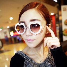 2016爆款 蕾絲花邊愛心土豪金 感太陽眼鏡墨鏡 配飾潮女白框桃心太陽鏡