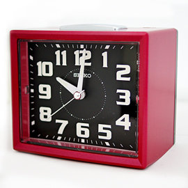 SEIKO 精工 QHK024R 長方型夜光靜音貪睡鬧鐘  擺飾鬧鐘 ~ 紅