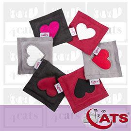 新品~4cats~~490免 ~德國 •貓草^(纈草^)愛心墊•貓咪玩具