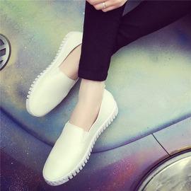 魔法鞋櫃  小白女鞋 潮平底休閒單鞋樂福鞋白色板鞋
