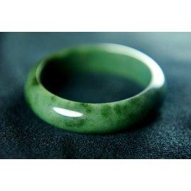 □~Disk的天然水晶~□~綠意盎然~老坑滿綠翡翠手鐲^(福鐲^)AW14~A貨專賣