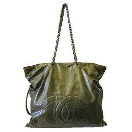 ~巴黎站  ~~CHANEL 香奈兒 ~古銅綠色 漆皮 大雙C 銀鏈直式肩背包 手提包