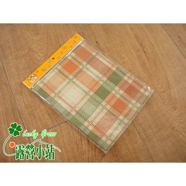 大林小草~【【8401-13】PVC 方形桌布、桌布 150 x 120cm-台灣製-格子