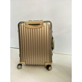 『型號:920.53.03.4』RIMOWA Topas Titanium 四輪登機箱 (台灣公司貨/全球保固五年/品質保證)