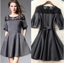 洋裝 女裝新品圓領繡花蕾絲拼接泡泡袖條紋修身連衣裙